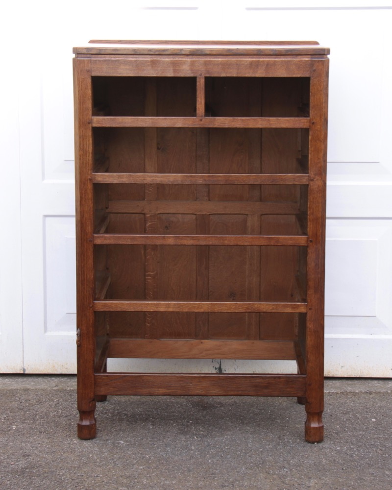 Robert Mouseman Thompson Early Oak Chest Of Drawers