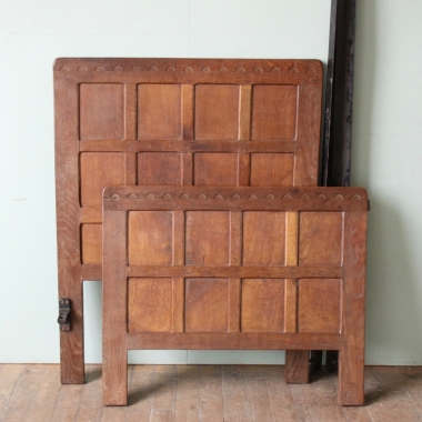 Robert 'Mouseman' Thompson Oak 3' Single Bed