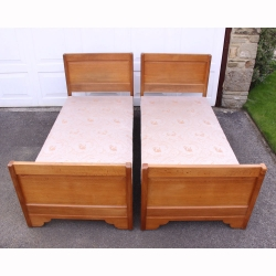 Stanley Webb Davies Pair of Oak 3' Single Beds