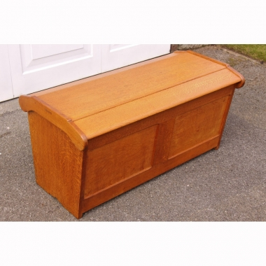 Robin Nance of St.Ives, Cotswold School Oak Storage Ottoman