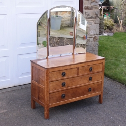 Martin 'Lizardman' Dutton Oak Chest of Drawers / Dressing Table