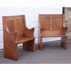 Robert Thompson 'Mouseman' Pair of Bespoke 1953 Oak Hall Settles