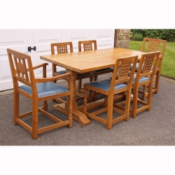 Wilf 'Squirrelman' Hutchinson 5' Oak Dining Table and 6 Chairs