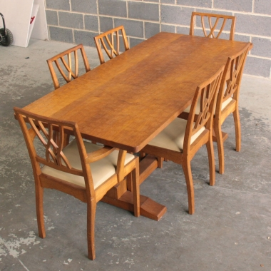 Derek Slater 'Fishman' Oak 6'Dining Table and 6 Chairs