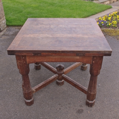 Robert Thompson 'Mouseman' Unique 1920s Oak Draw-Leaf Dining Table